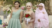 BRIDE & FRIENDS